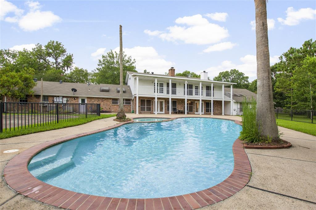 2730 Leroy Street #B Property Photo - Pearland, TX real estate listing