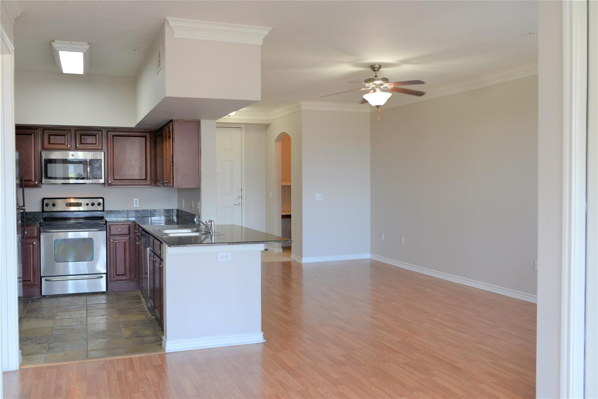 7575 Kirby Drive #2212 Property Photo - Houston, TX real estate listing