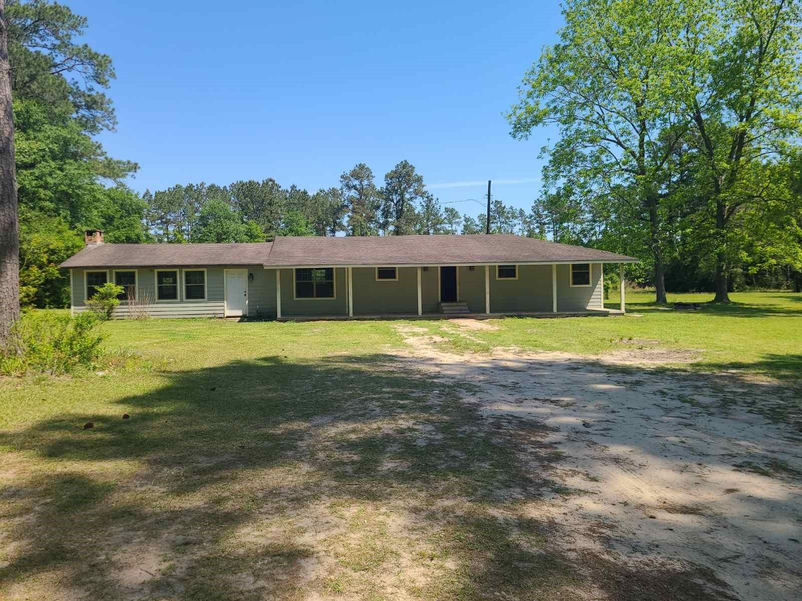 260 Private Road 5830 Property Photo
