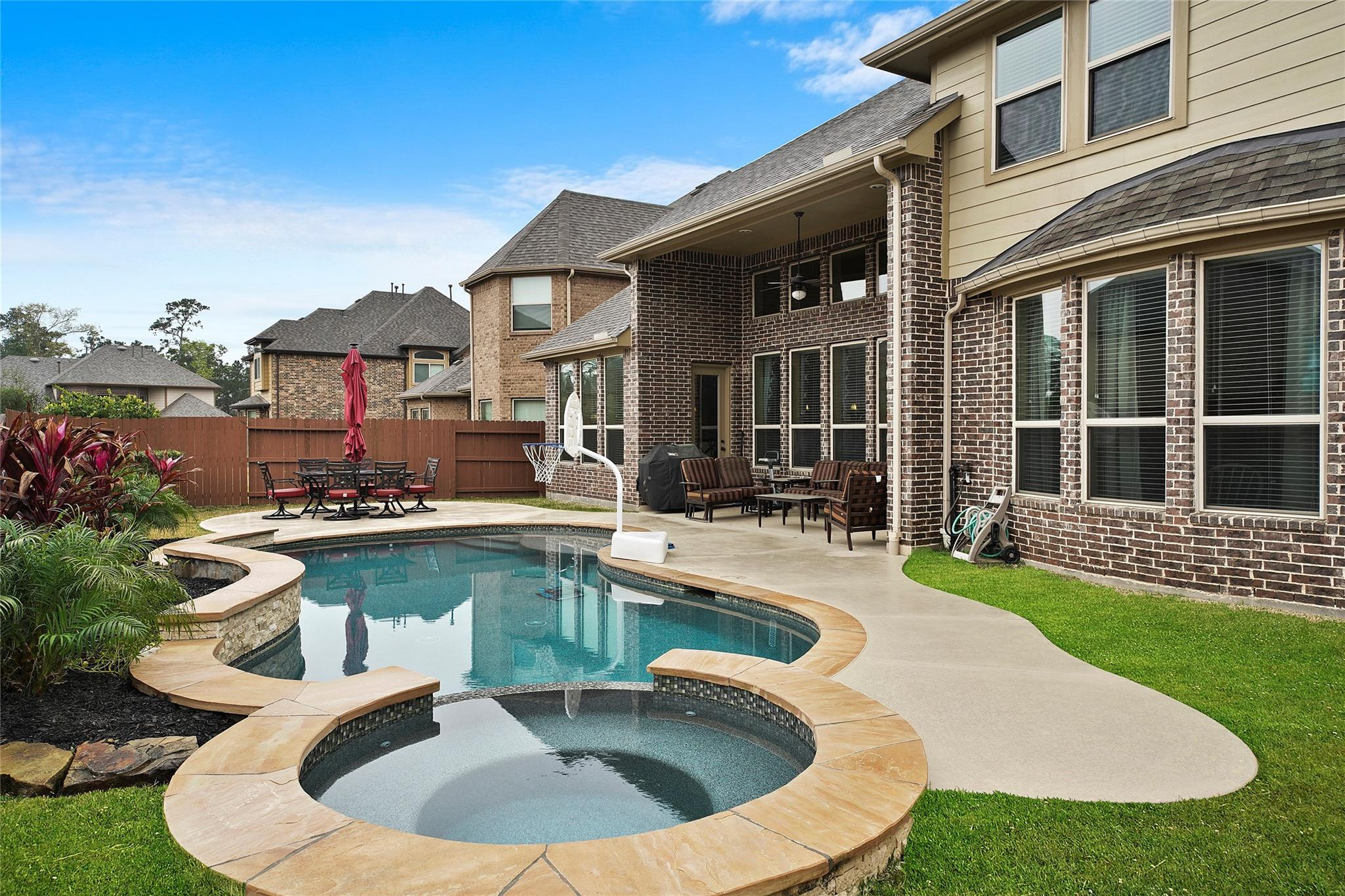 17116 Spirit Lake Lane Property Photo - Houston, TX real estate listing