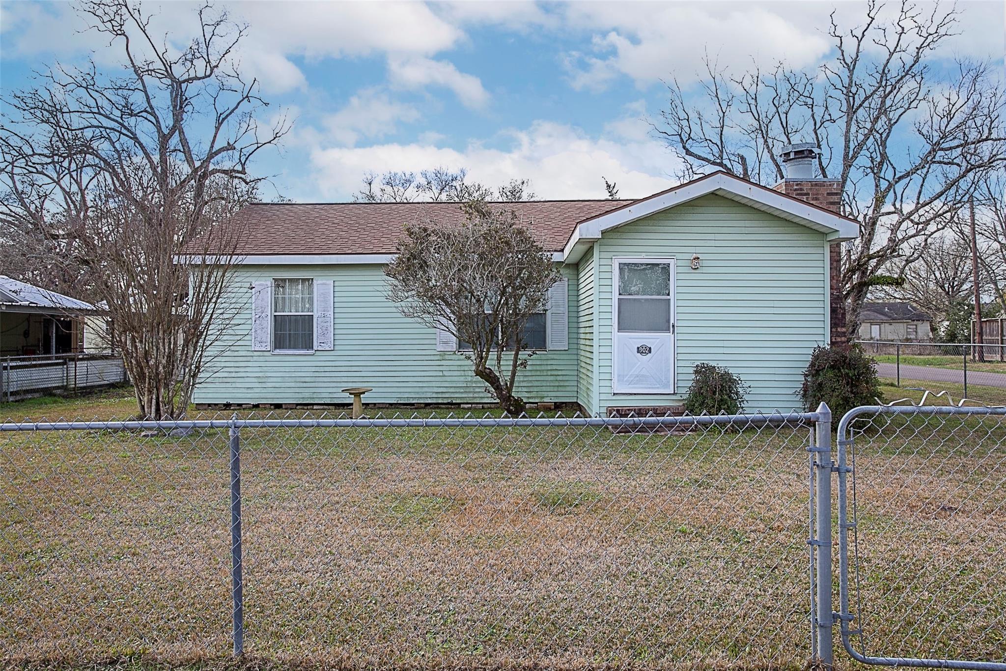 902 Memphis Street Property Photo