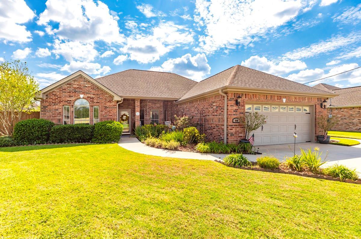 840 Amber Kay Lane Property Photo - Bridge City, TX real estate listing