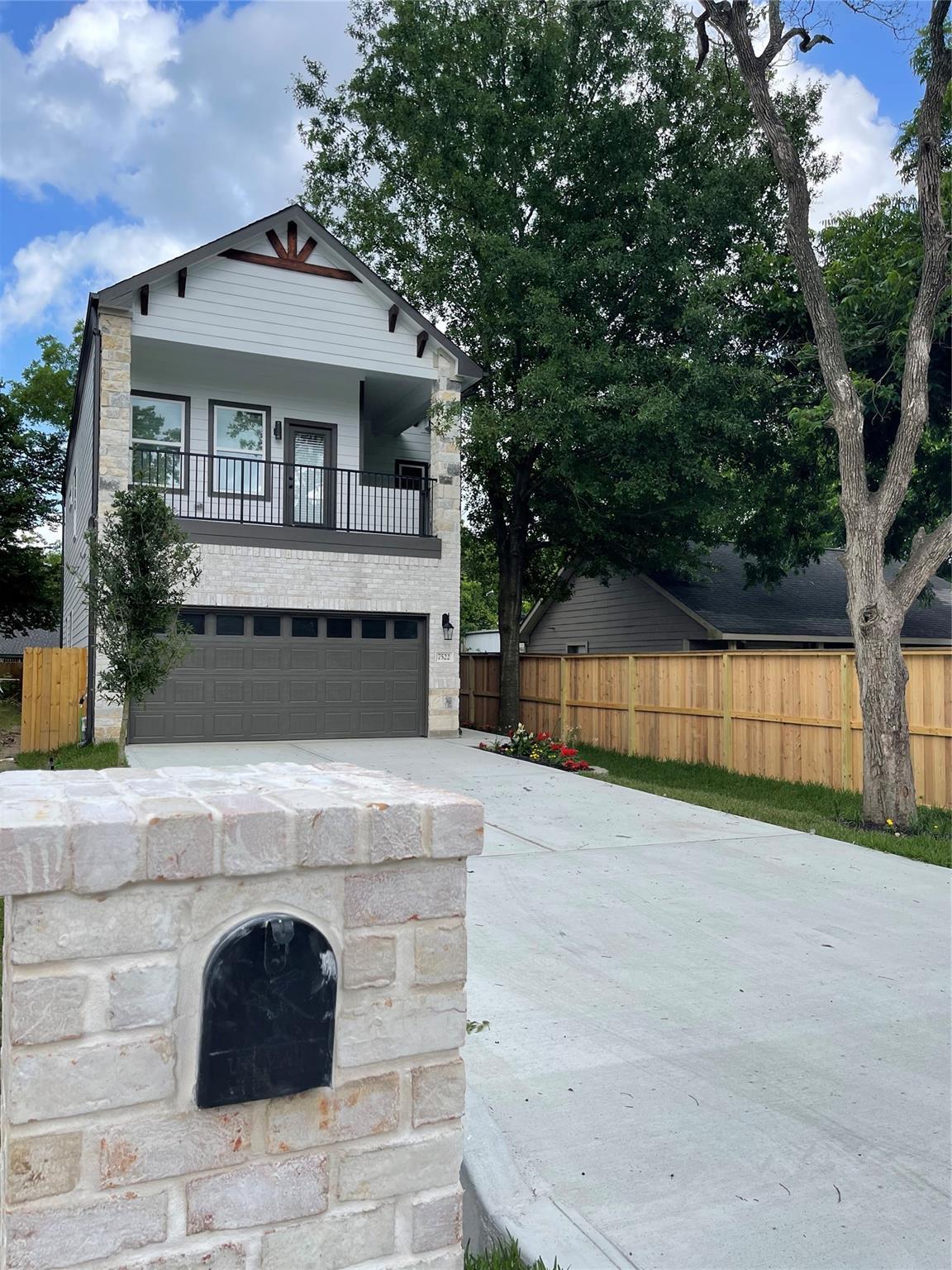 7520 Gracia Street Property Photo