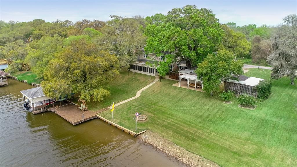 1641 Private Road 652 Property Photo - Sargent, TX real estate listing