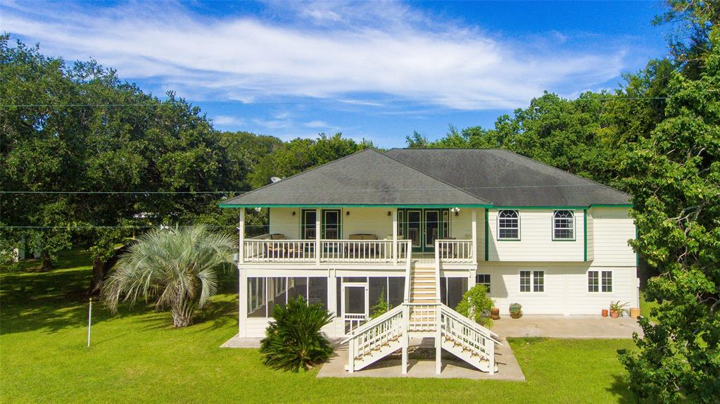 383 County Road 296 Property Photo - Sargent, TX real estate listing