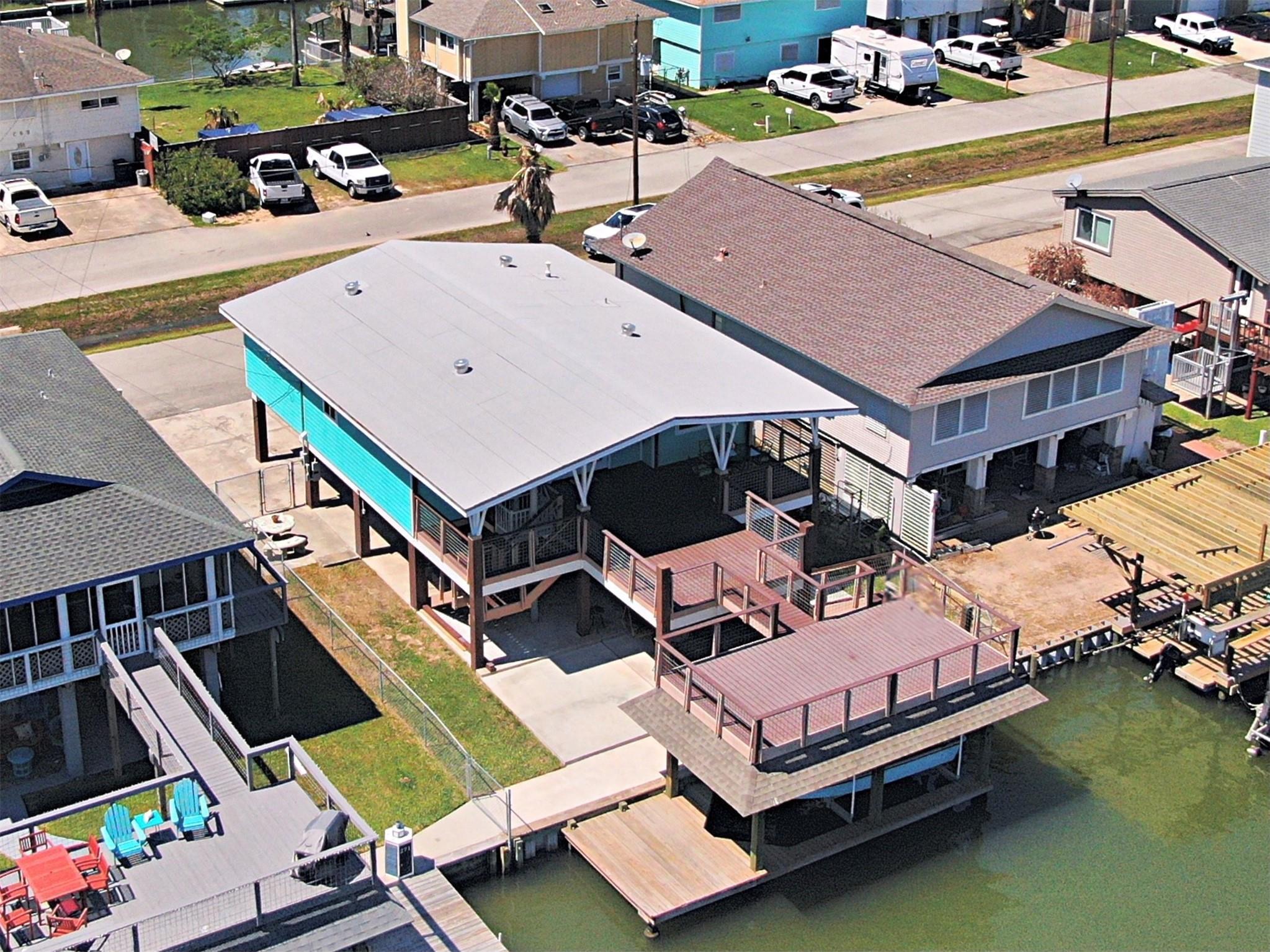 270 Barracuda Street Property Photo - Bayou Vista, TX real estate listing