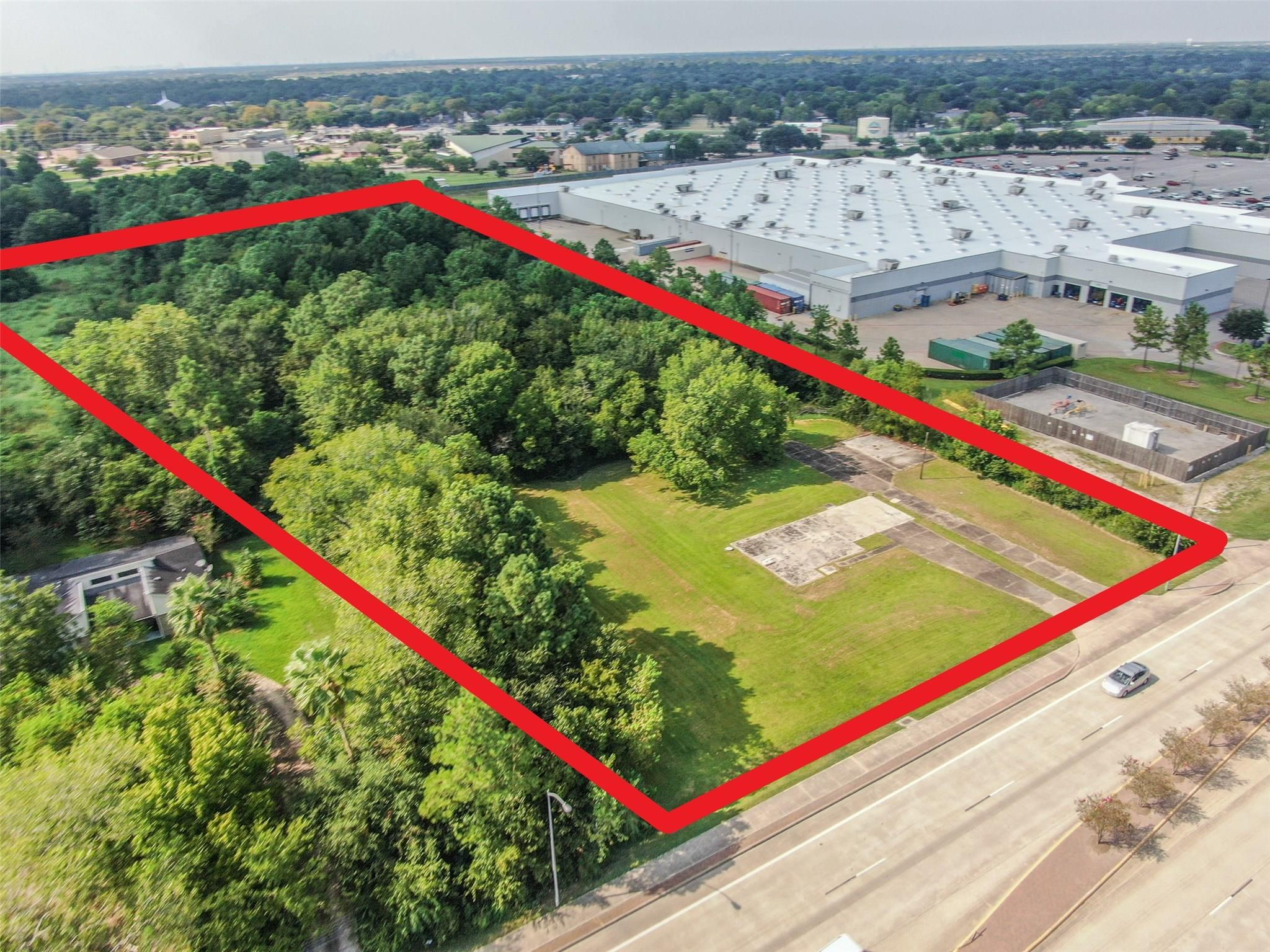 3302 Dixie Farm Road Property Photo - Pearland, TX real estate listing