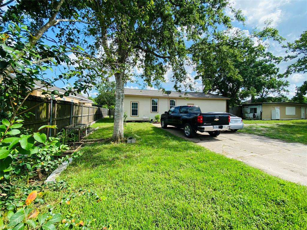1111 Trammel Fresno Road Property Photo - Fresno, TX real estate listing