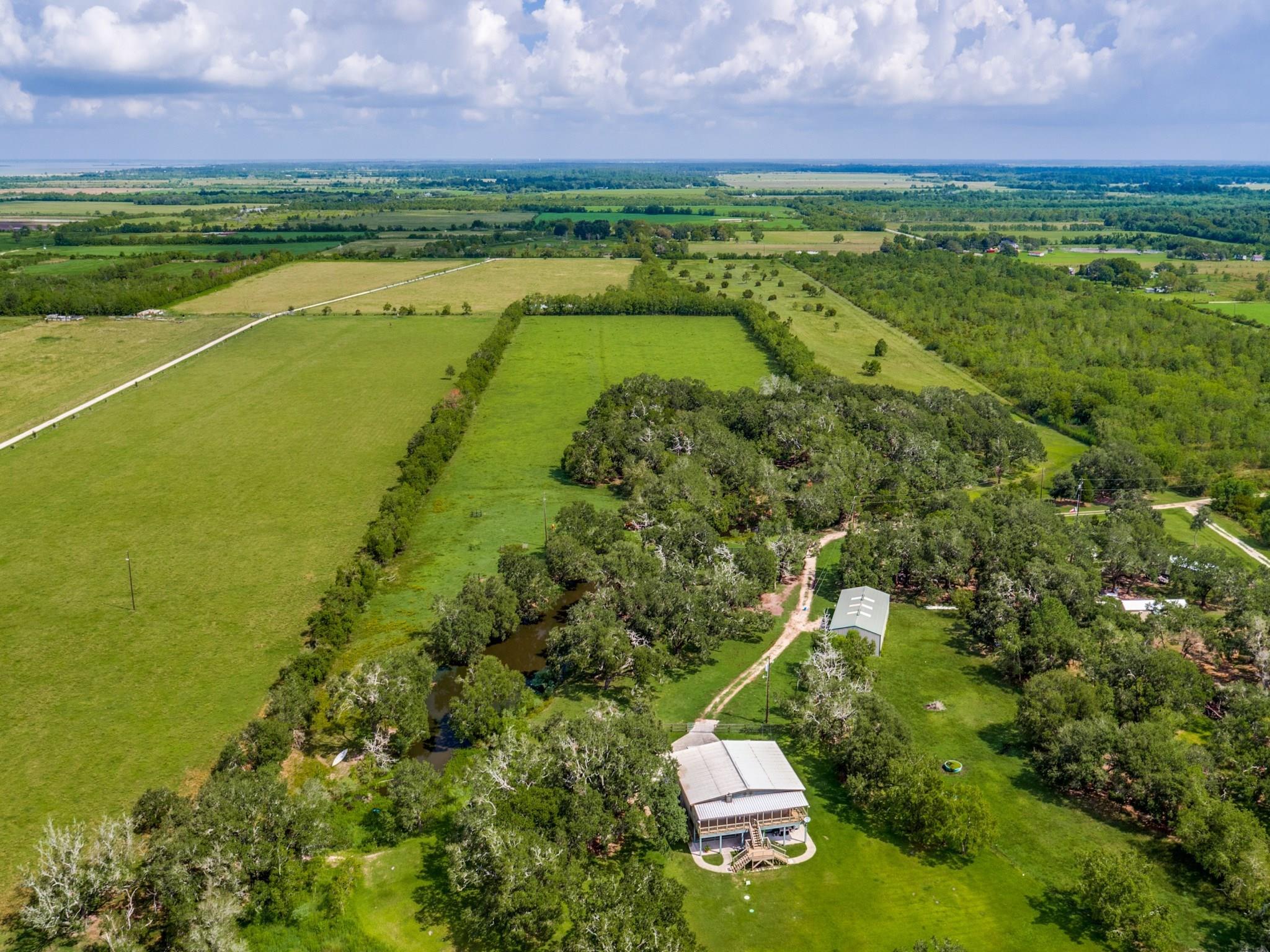 1746 Haynes Property Photo - Anahuac, TX real estate listing