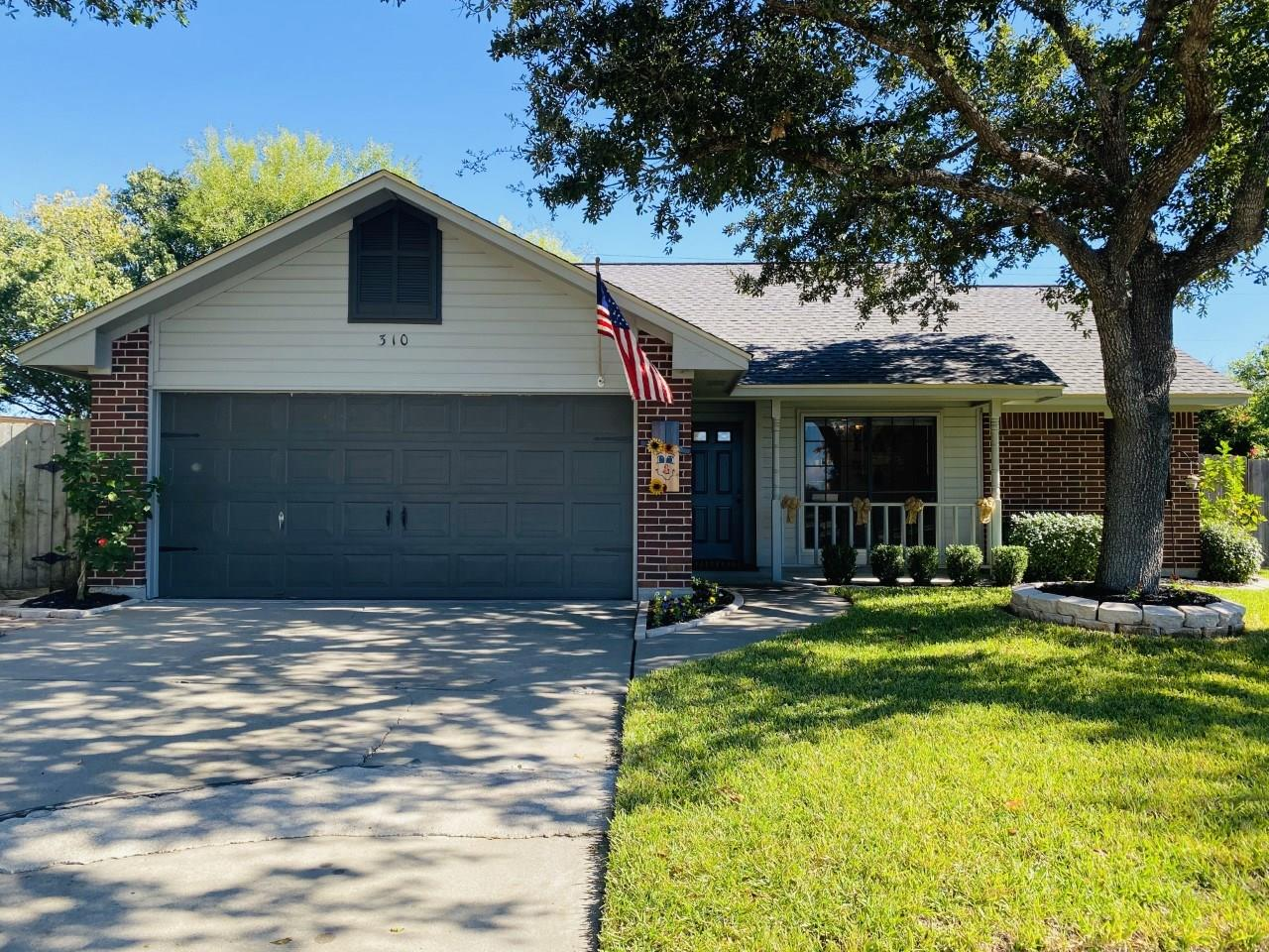 310 Mariner Drive Property Photo - Victoria, TX real estate listing