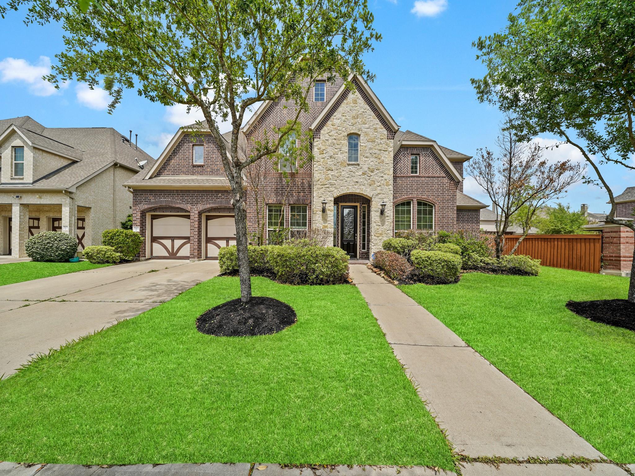 Aliana Sec 10 Real Estate Listings Main Image
