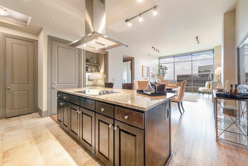 7 RIVERWAY Drive #1008 Property Photo - Houston, TX real estate listing
