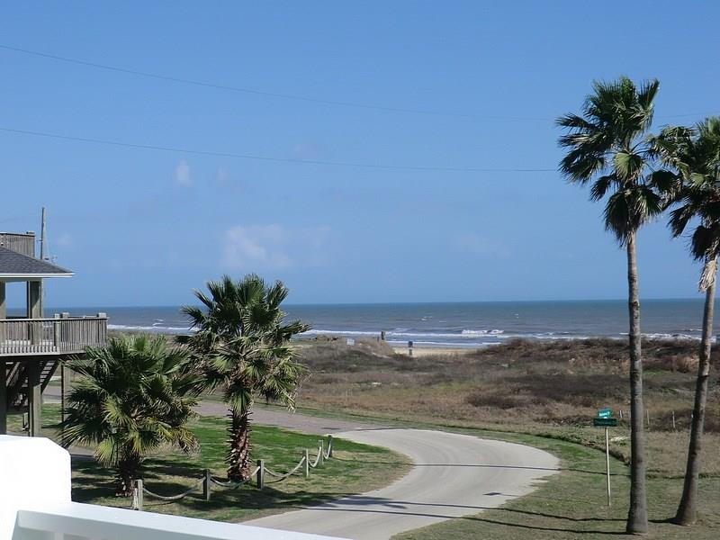 931 Bahama Drive Property Photo - Crystal Beach, TX real estate listing
