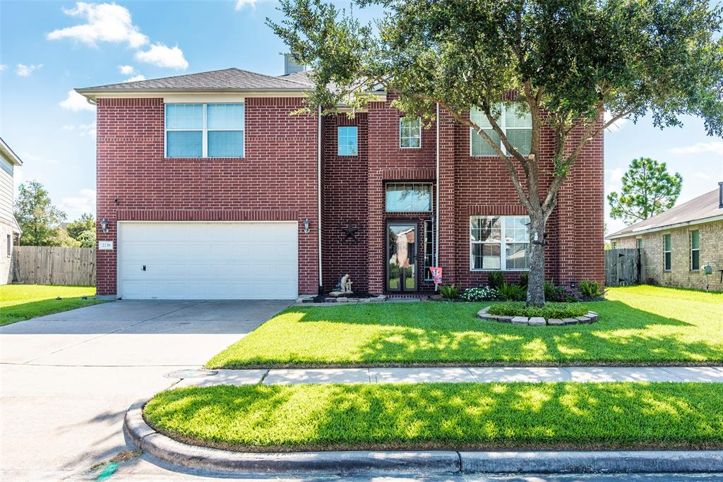 2238 Mossey Creek Drive Property Photo - Deer Park, TX real estate listing