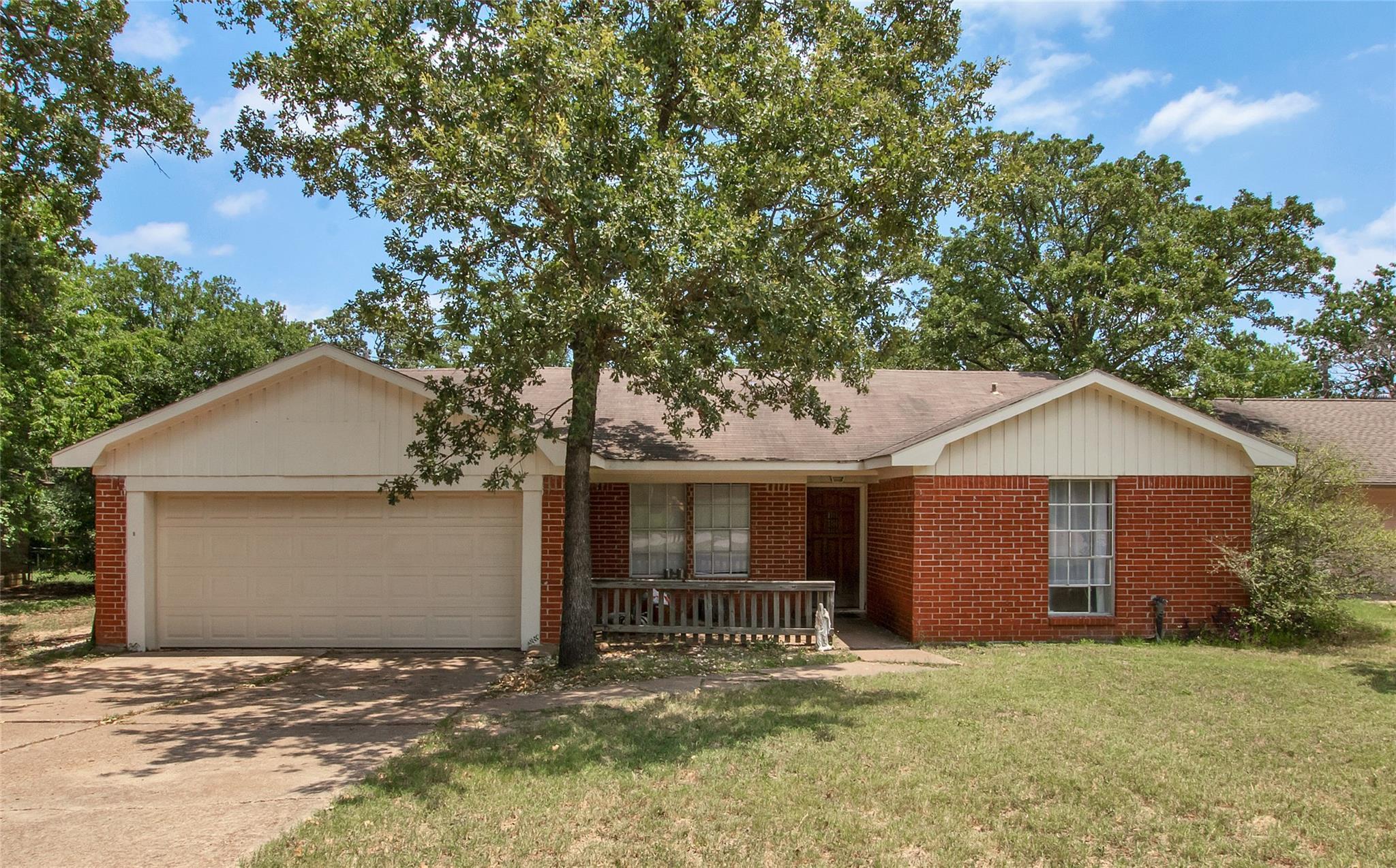 1219 Berkeley Street Property Photo - College Station, TX real estate listing