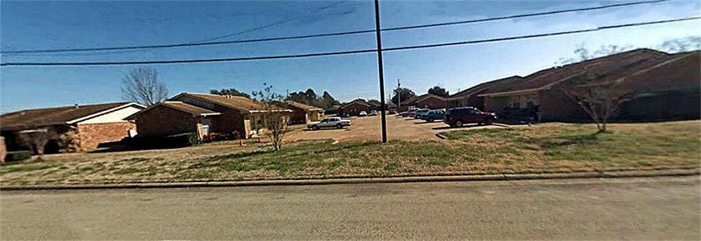 1302 Jacksonville Property Photo - Jacksonville, TX real estate listing