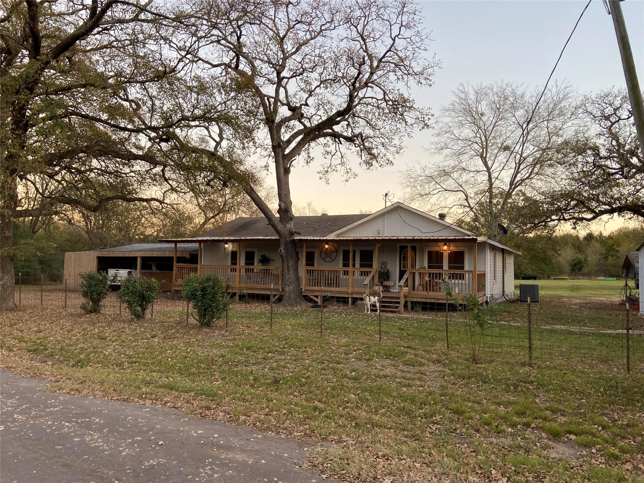 3298 Lcr 800 Property Photo - Groesbeck, TX real estate listing