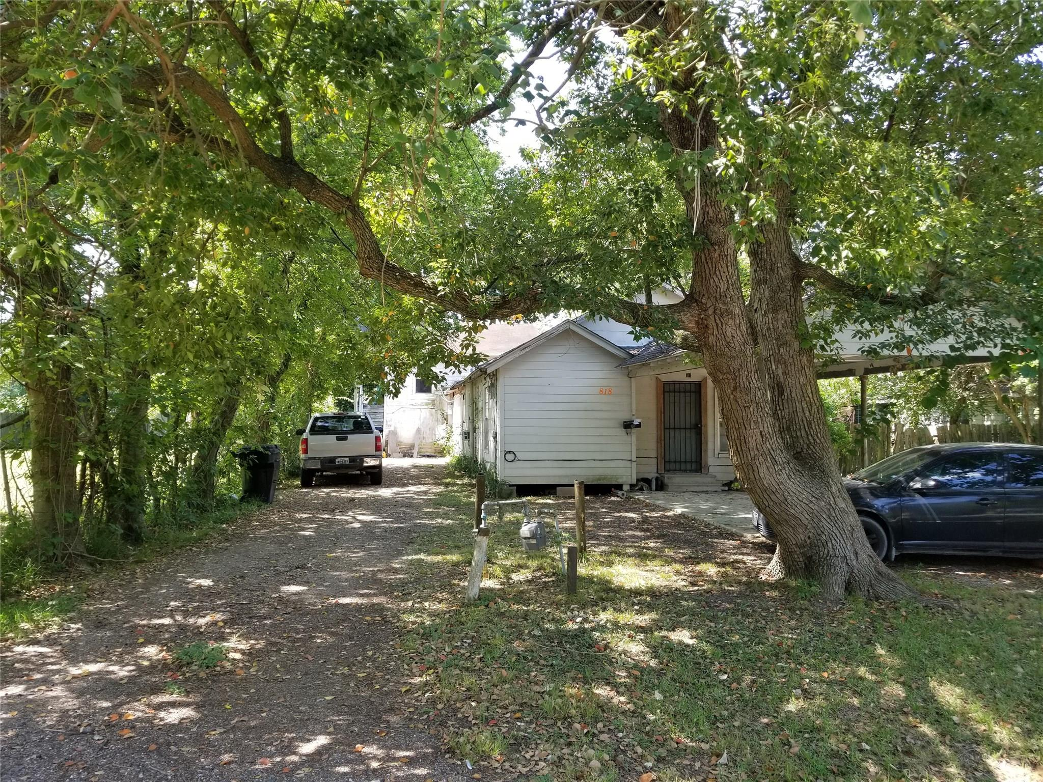 808 Caperton Street Property Photo - Houston, TX real estate listing