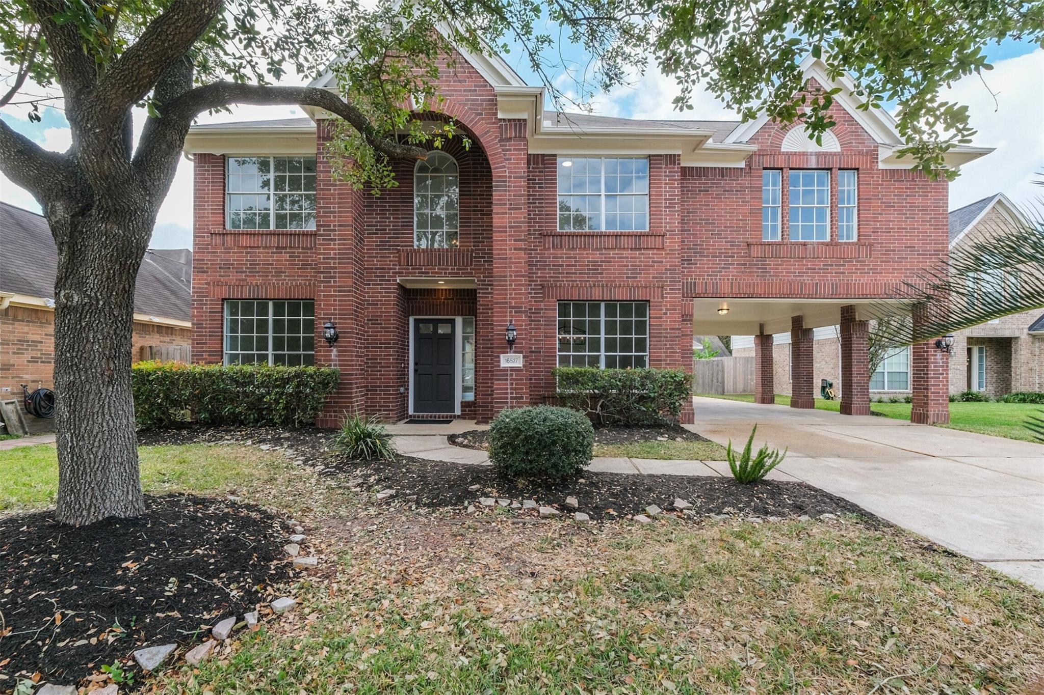 16527 Lacey Lane Property Photo - Missouri City, TX real estate listing