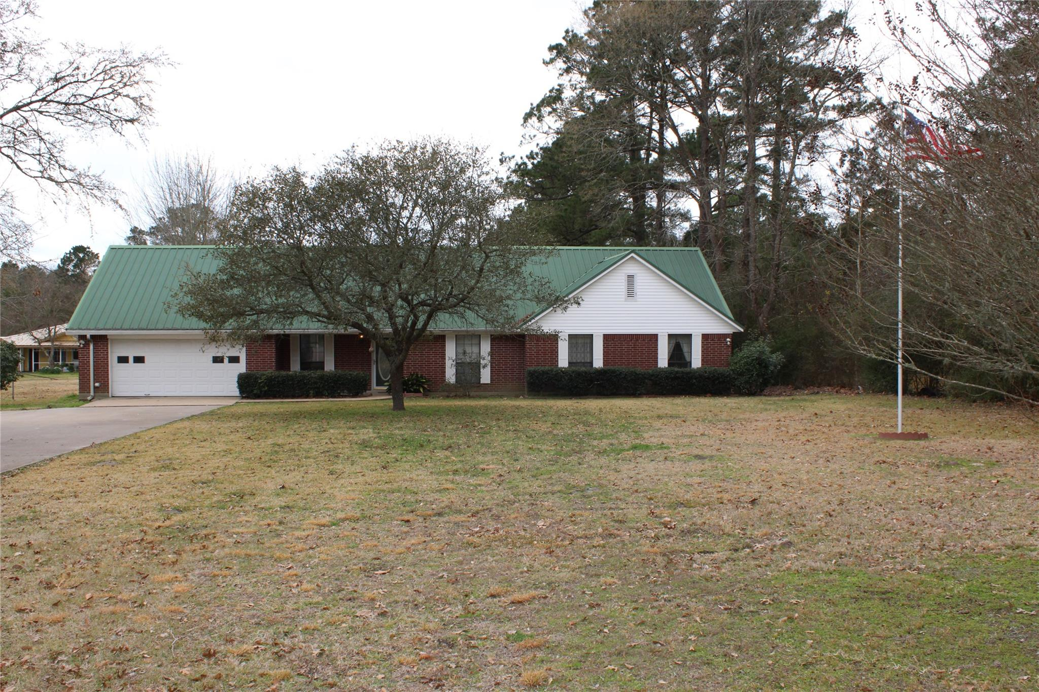 1375 W 1st Street Property Photo - Groveton, TX real estate listing