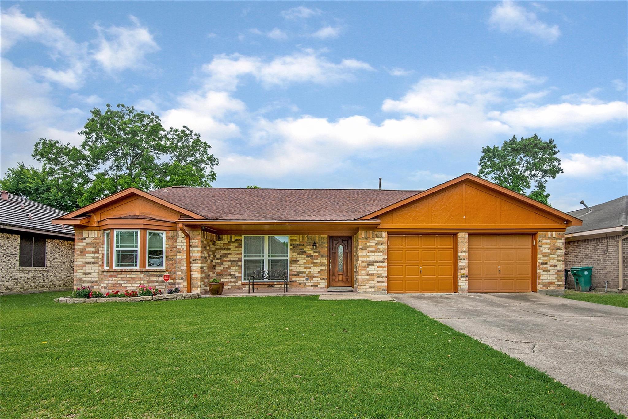 4318 Ponca Street Property Photo