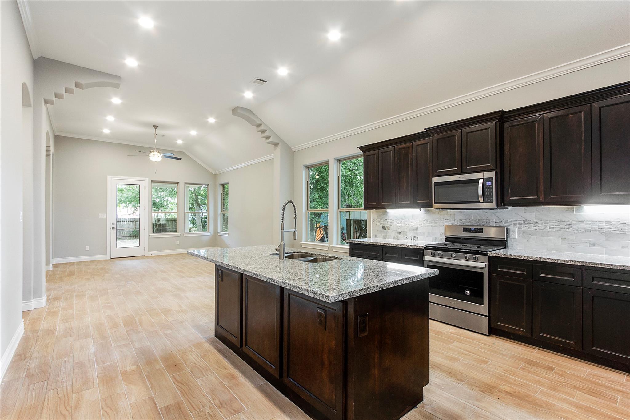 7525 Springdale Street Property Photo - Houston, TX real estate listing