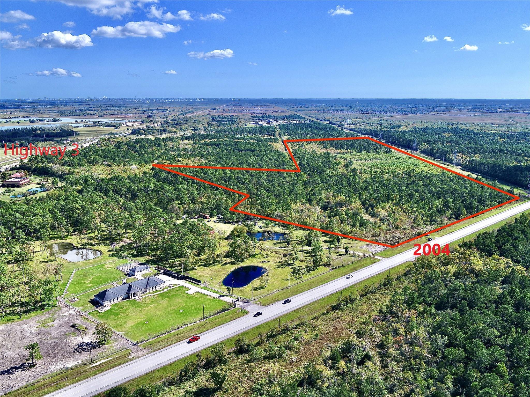 000 Fm 2004 Expressway Property Photo