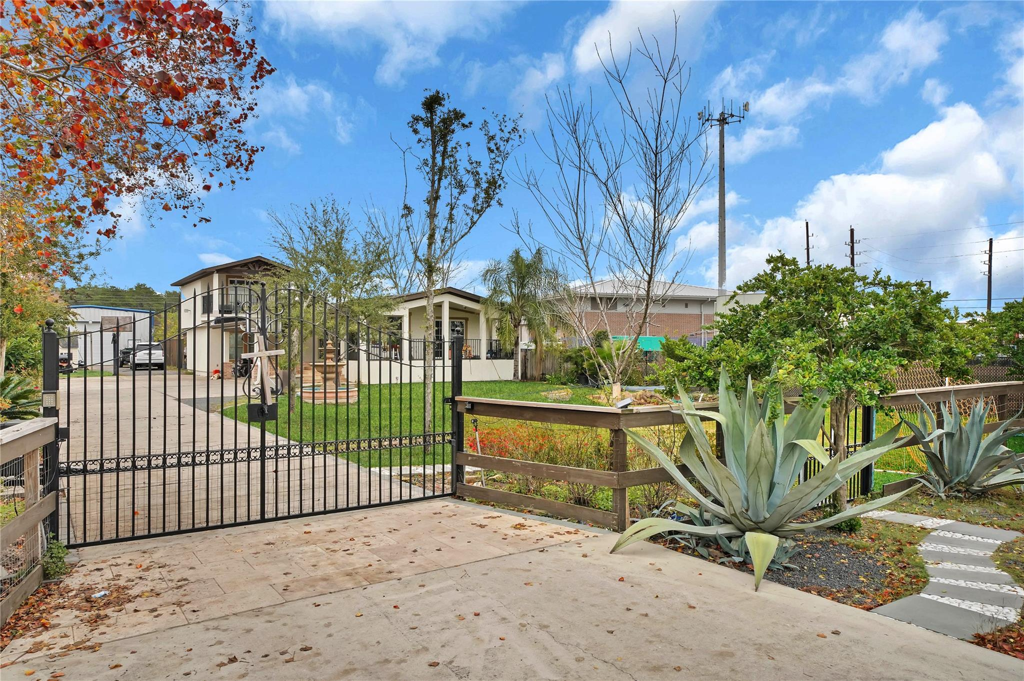 14409 Forest Knoll Drive Property Photo - Houston, TX real estate listing