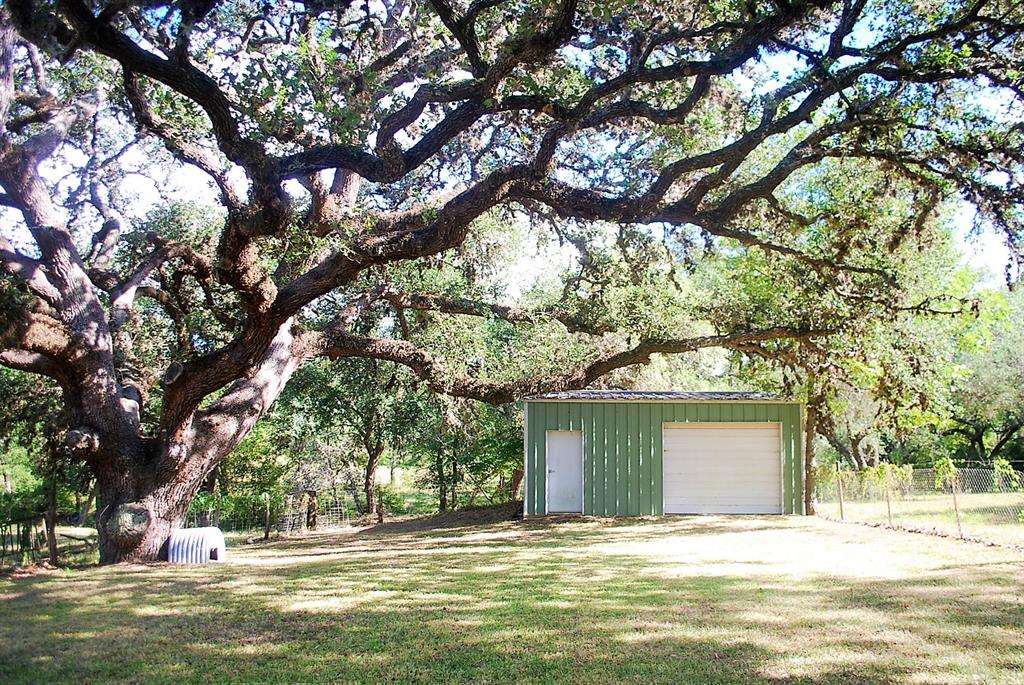 3505 Brunes Mill Road Property Photo - Columbus, TX real estate listing