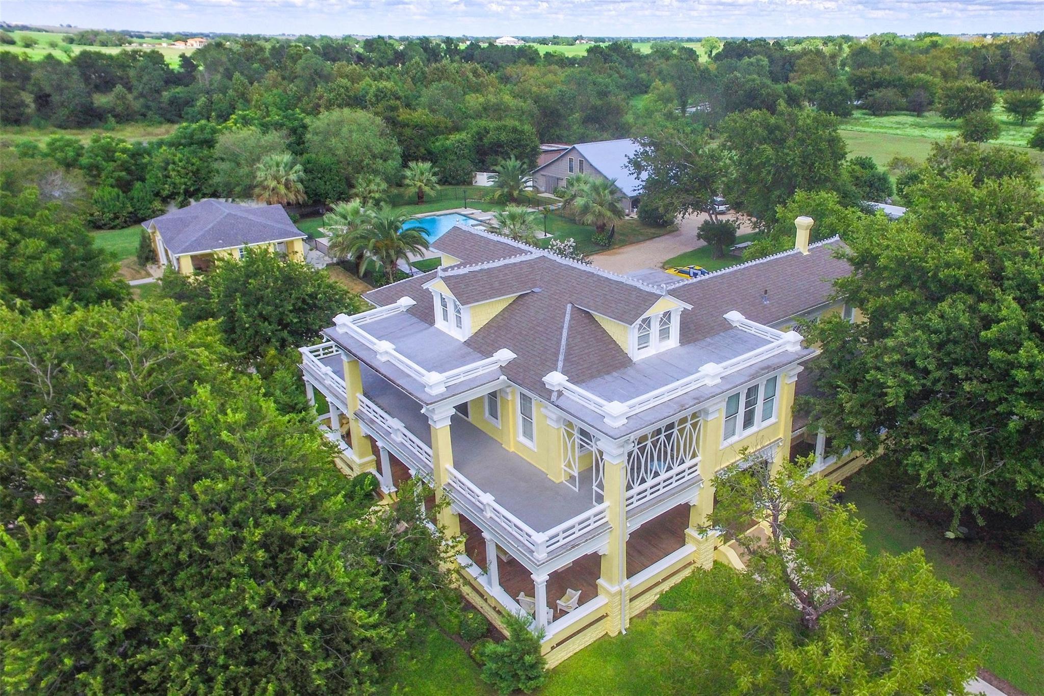 2109 E 4th Property Photo