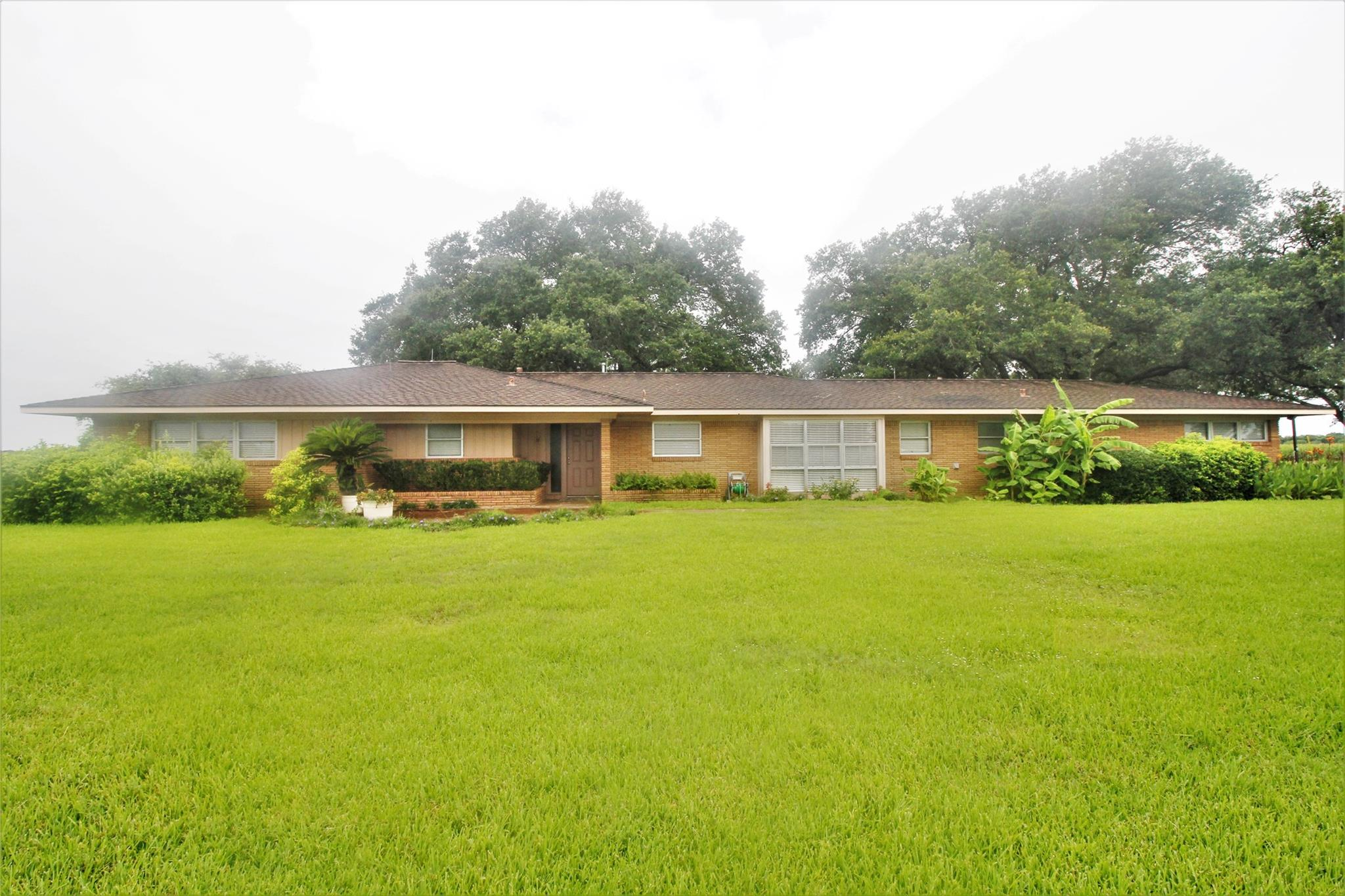1645 County Road 467 Property Photo