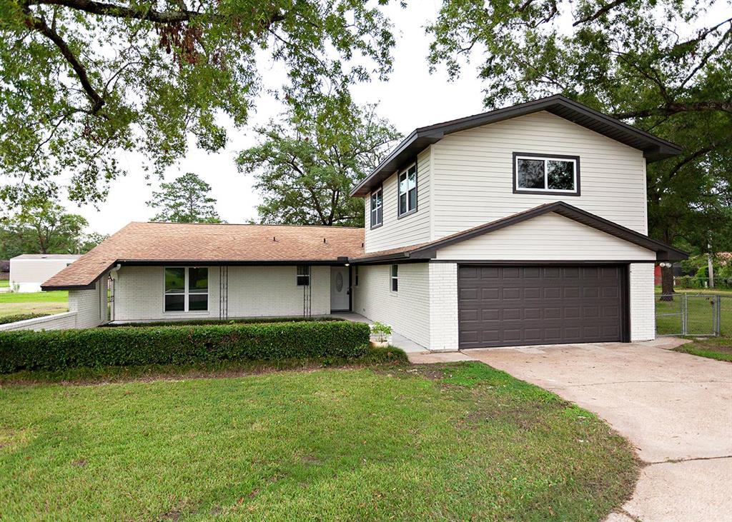 13545 Leaning Oaks Drive, Beaumont, TX 77713 - Beaumont, TX real estate listing
