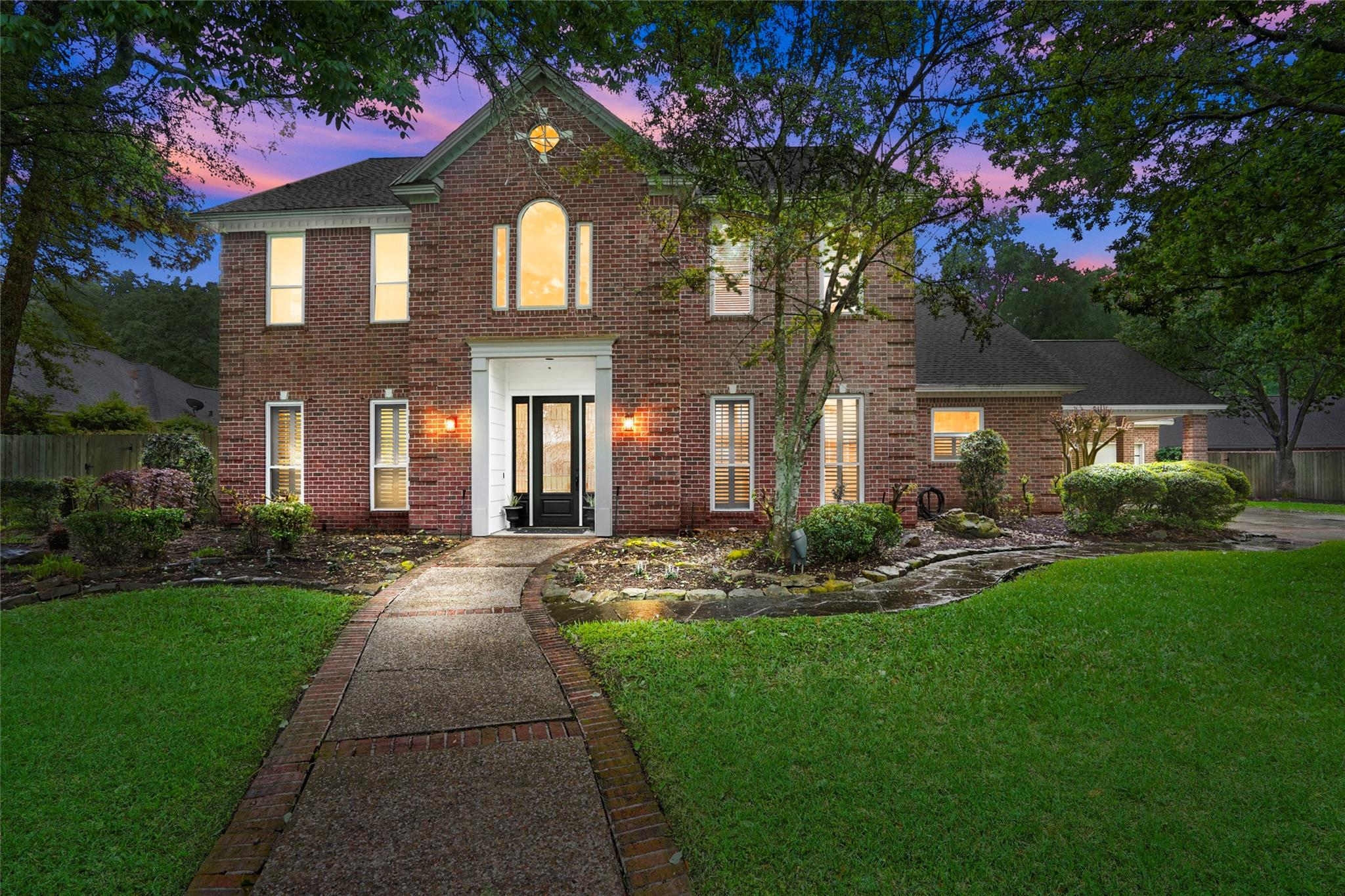 5910 Elmwood Hill Lane Property Photo - Kingwood, TX real estate listing