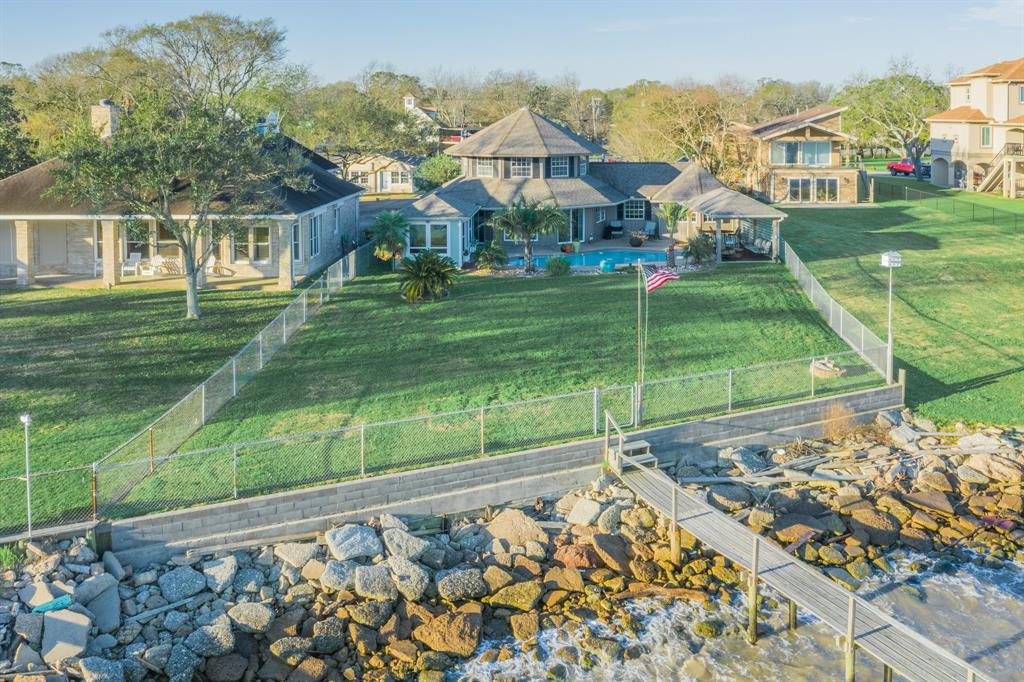 4626 W Bayshore Drive, Bacliff, TX 77518 - Bacliff, TX real estate listing