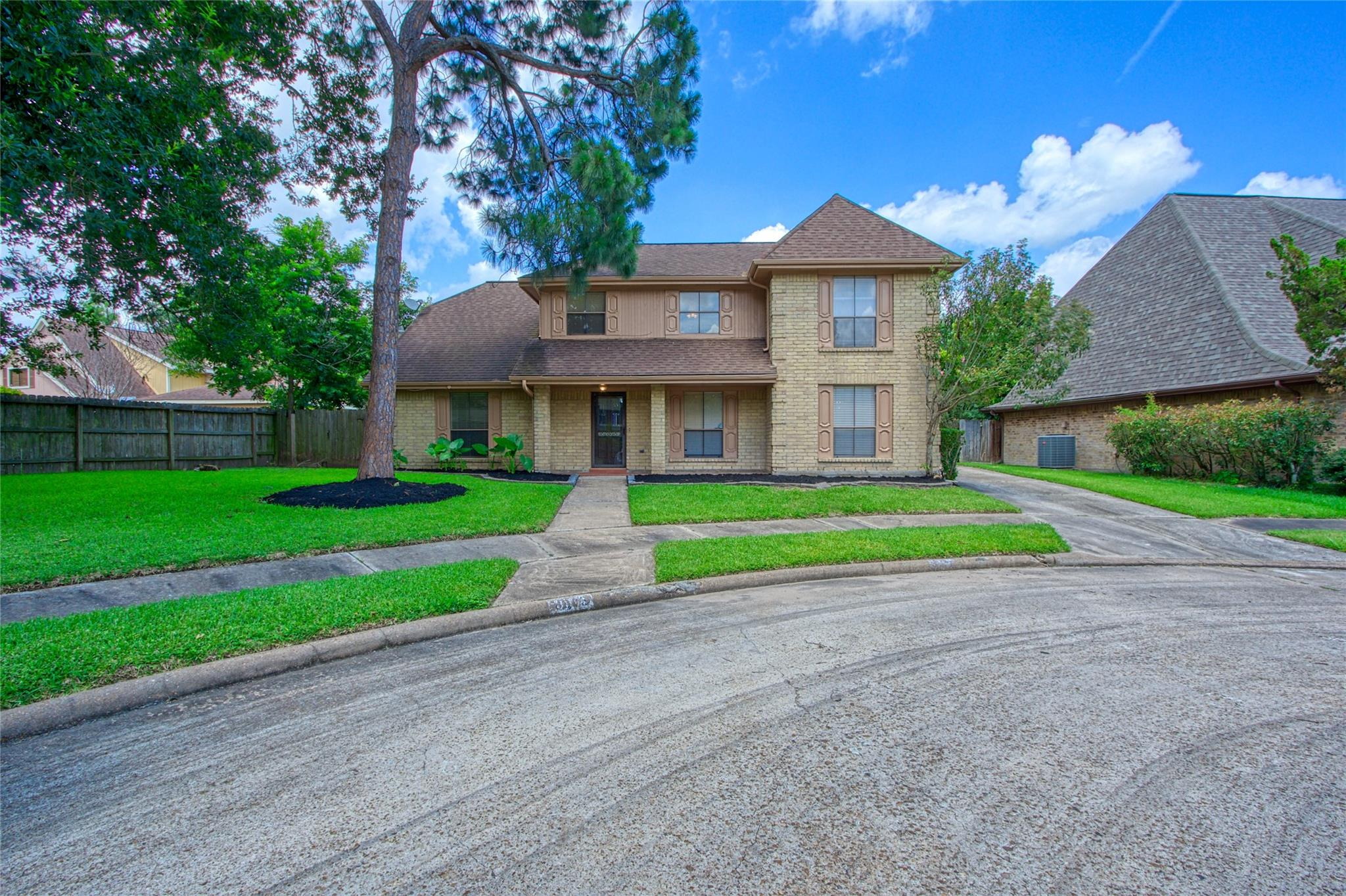 8803 Hydethorpe Drive Property Photo 1