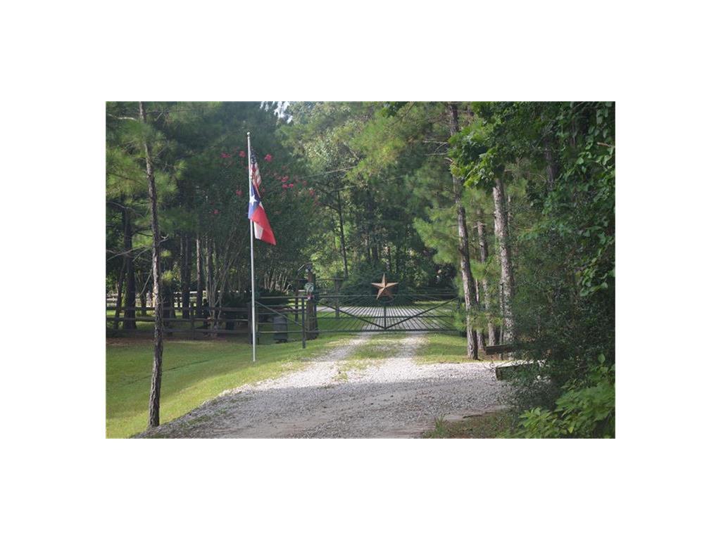 15905 Barbara Lane, Magnolia, TX 77355 - Magnolia, TX real estate listing