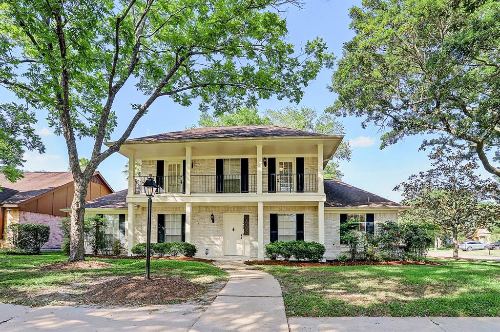 11923 Manorgate Dr Drive Property Photo - Houston, TX real estate listing