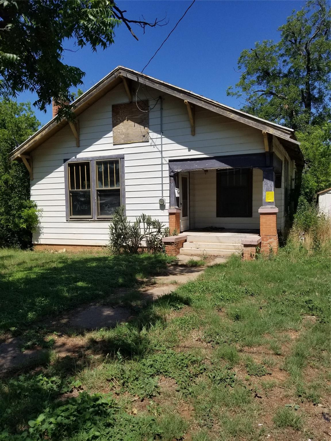 210 N Nueces Street Property Photo - Coleman, TX real estate listing