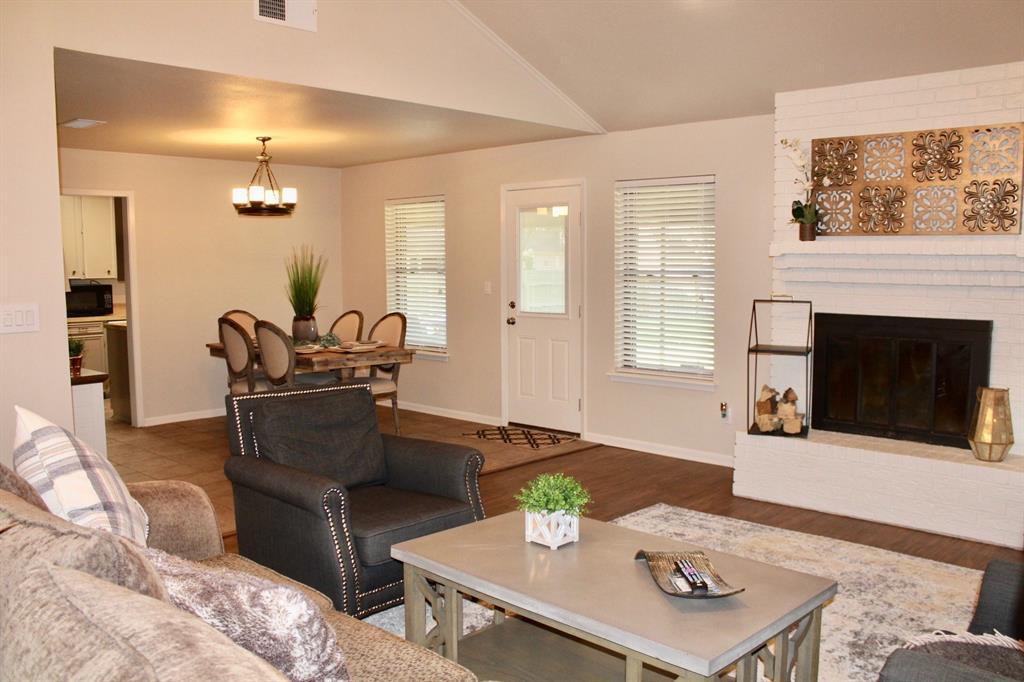 2701 West Creek Drive, El Campo, TX 77437 - El Campo, TX real estate listing