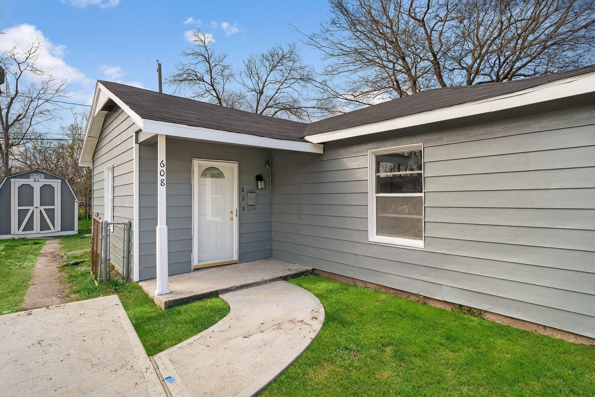 608 Kansas Street Property Photo