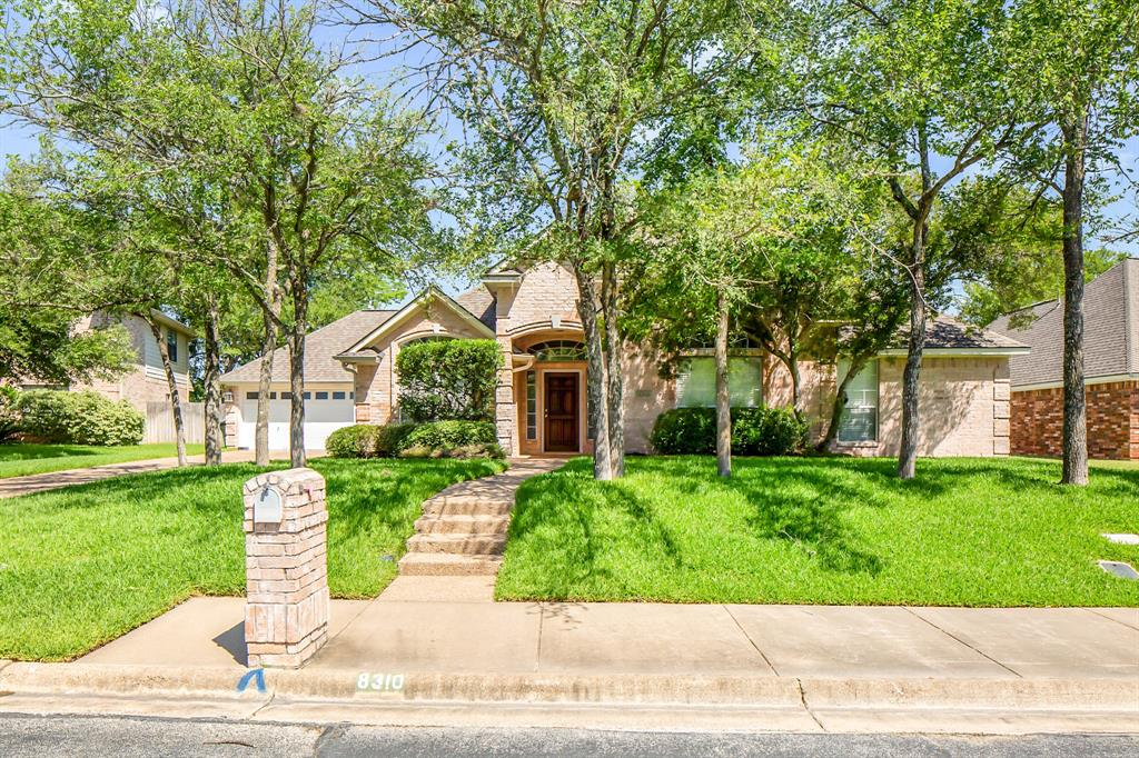 8310 Shadow Oaks Property Photo - College Station, TX real estate listing