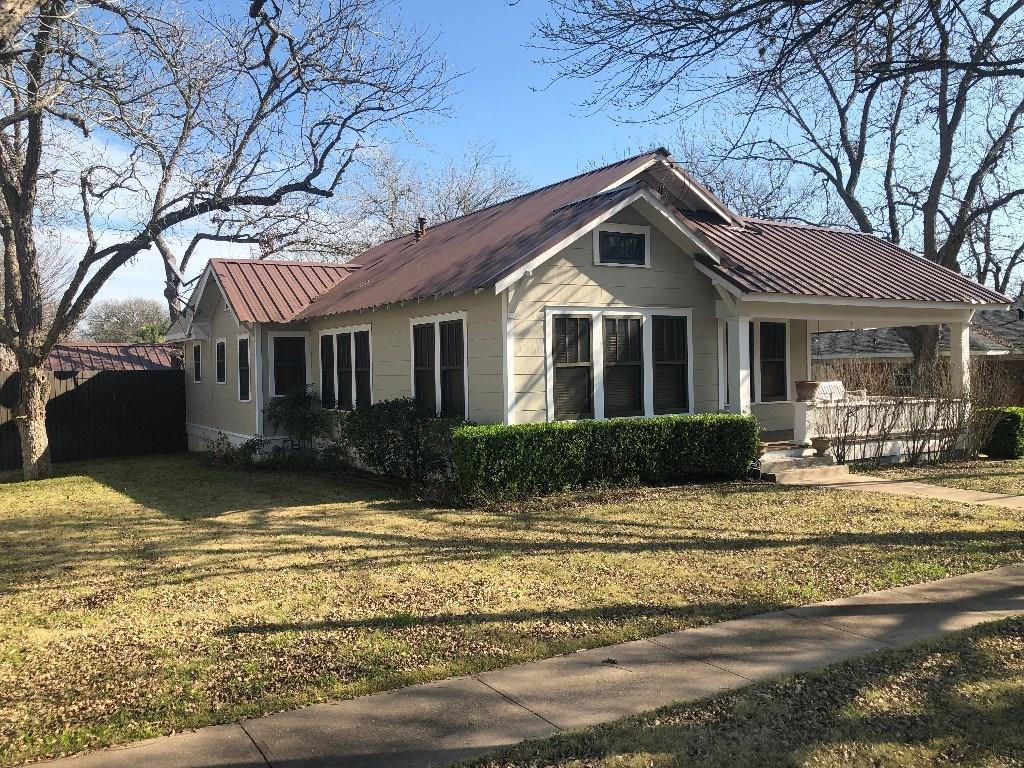 812 West Avenue Property Photo - Schulenburg, TX real estate listing