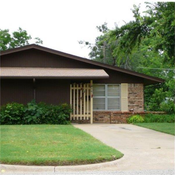 302 S Bridge Street Property Photo - Henrietta, TX real estate listing