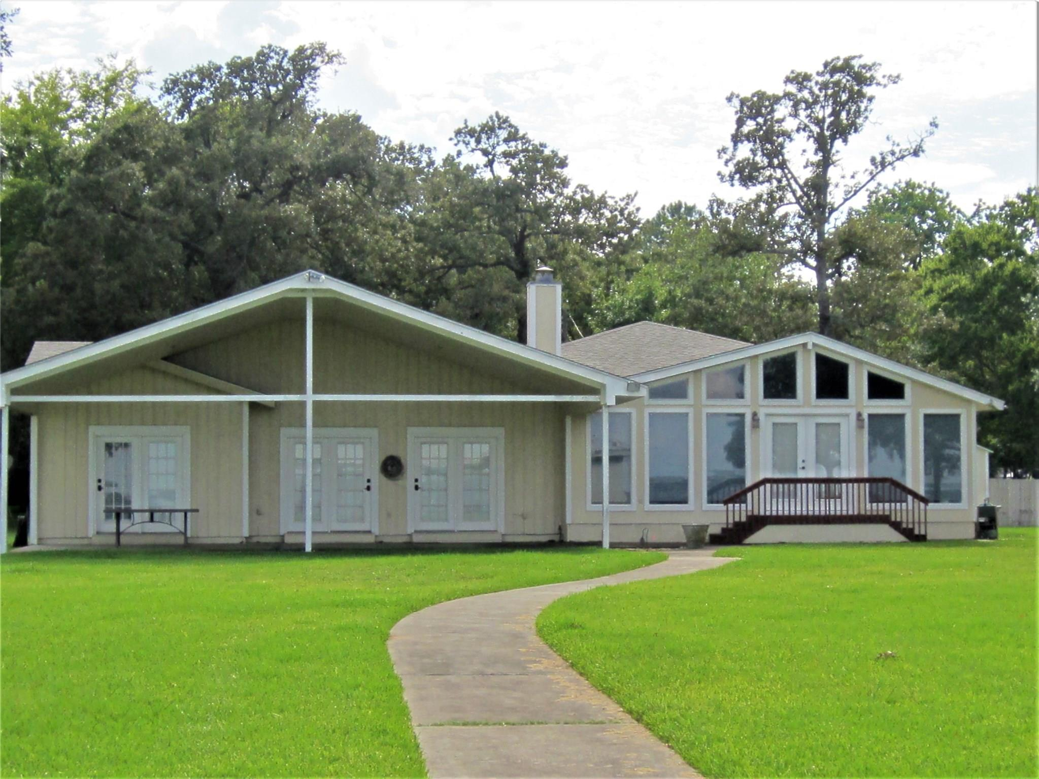 20761 Chase Court Property Photo - Thornton, TX real estate listing