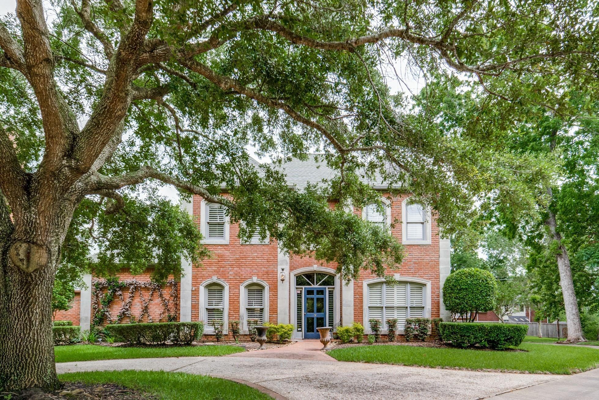 9 Heritage Oak Court Property Photo