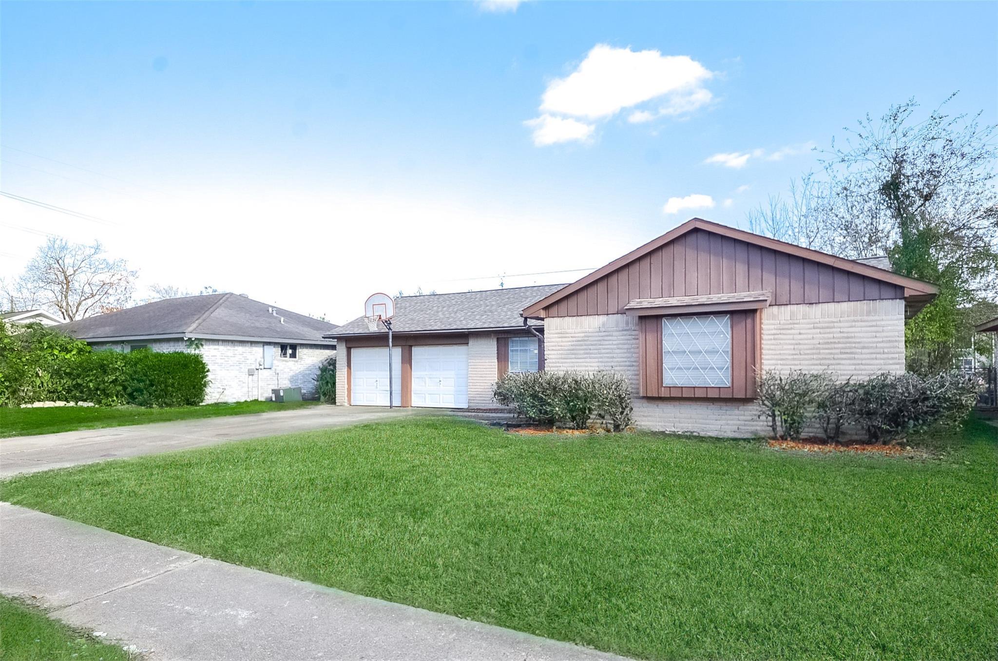 10119 Leawood Blvd Property Photo - Houston, TX real estate listing
