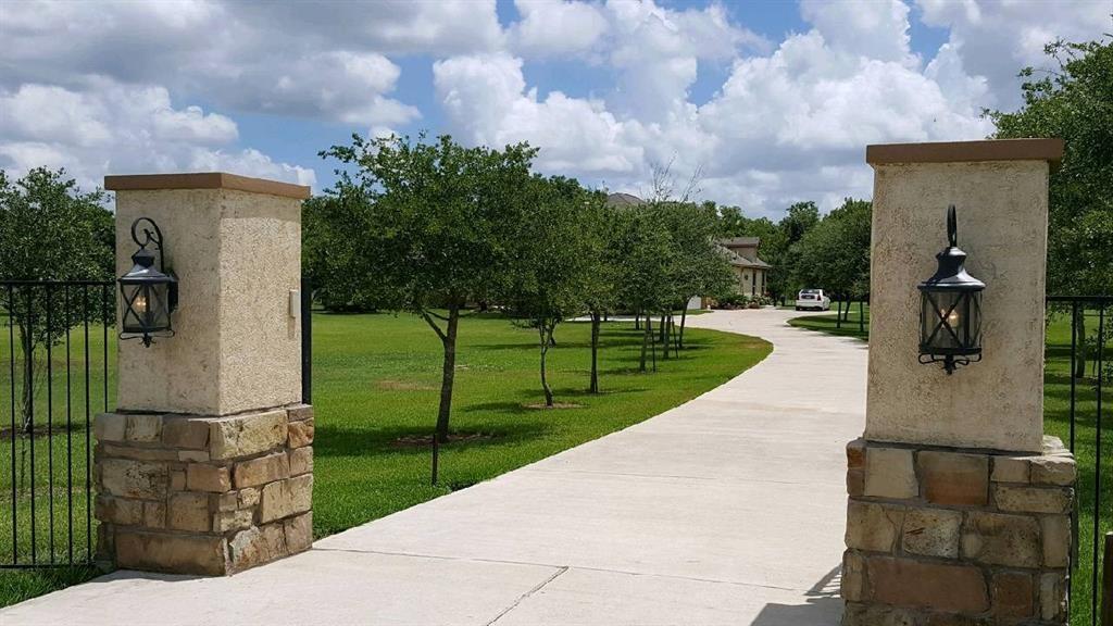 16511 Wrangler Road, Rosharon, TX 77583 - Rosharon, TX real estate listing