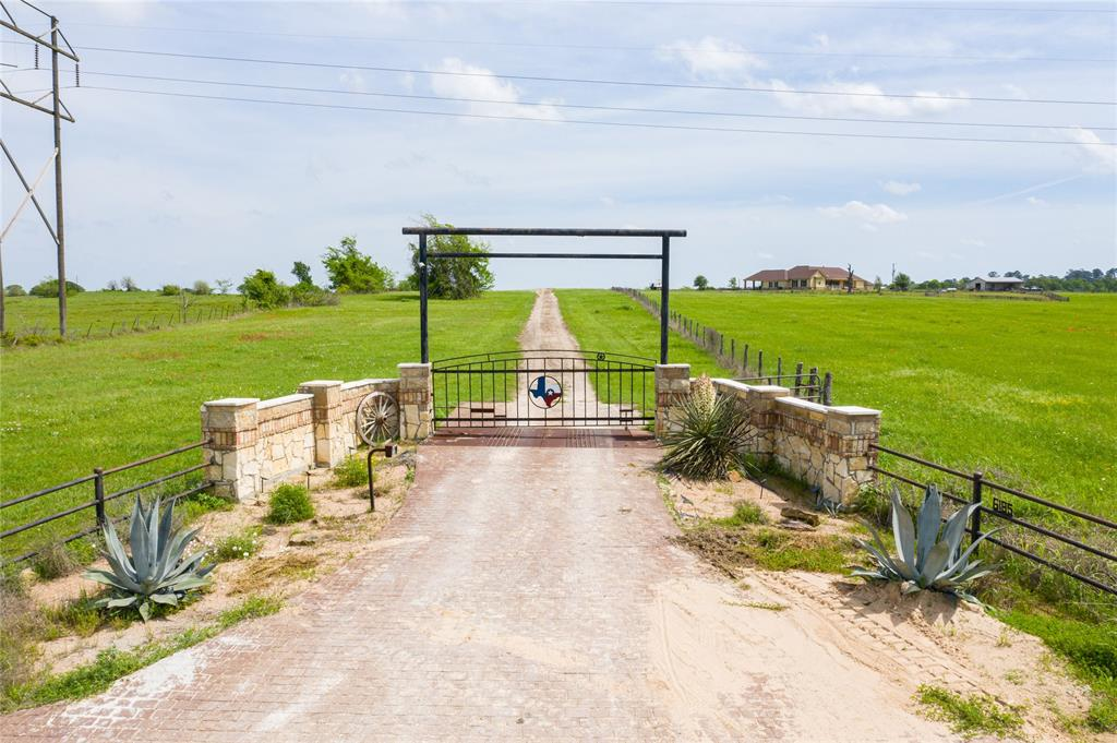 6185 County Road 405 Property Photo - Navasota, TX real estate listing