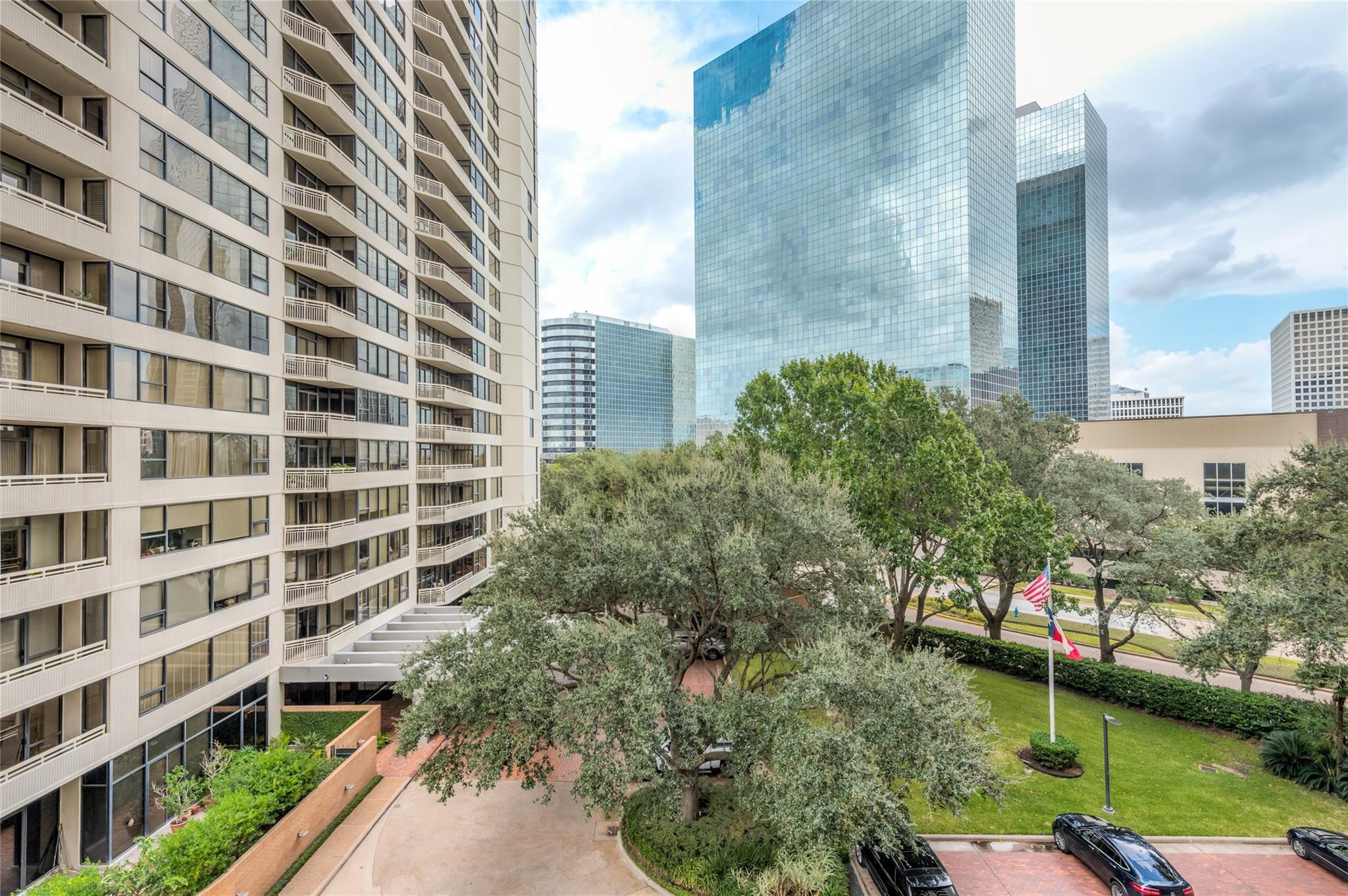 15 Greenway Plaza #5E Property Photo - Houston, TX real estate listing