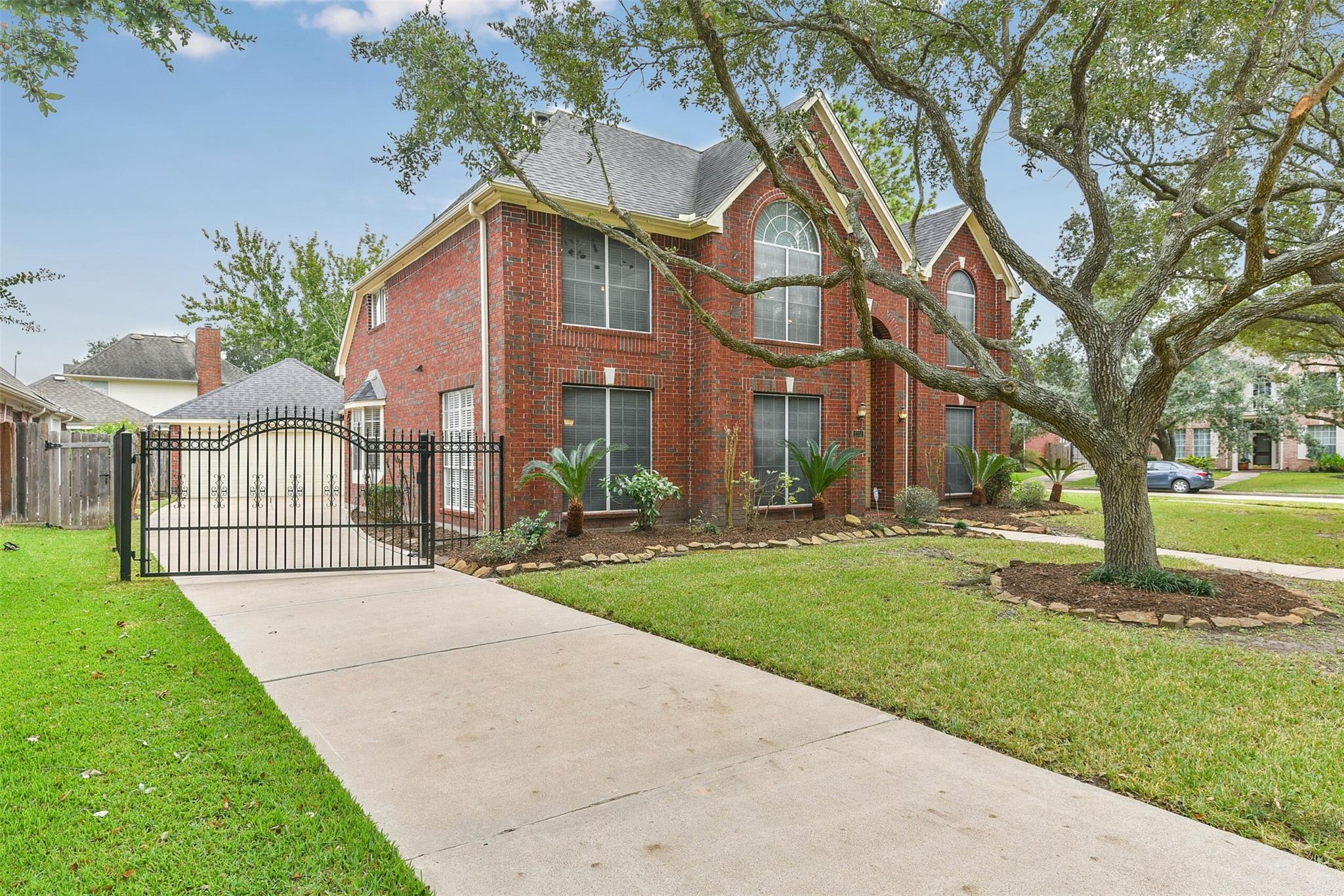 1351 Crescent Parkway Court Property Photo - Houston, TX real estate listing